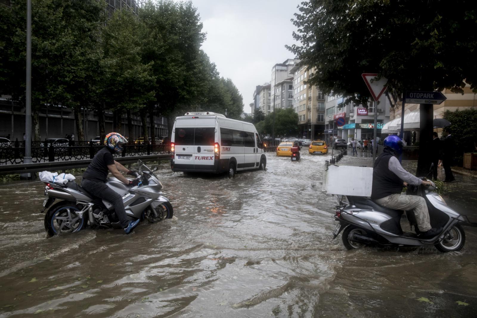Bouře v Istanbulu