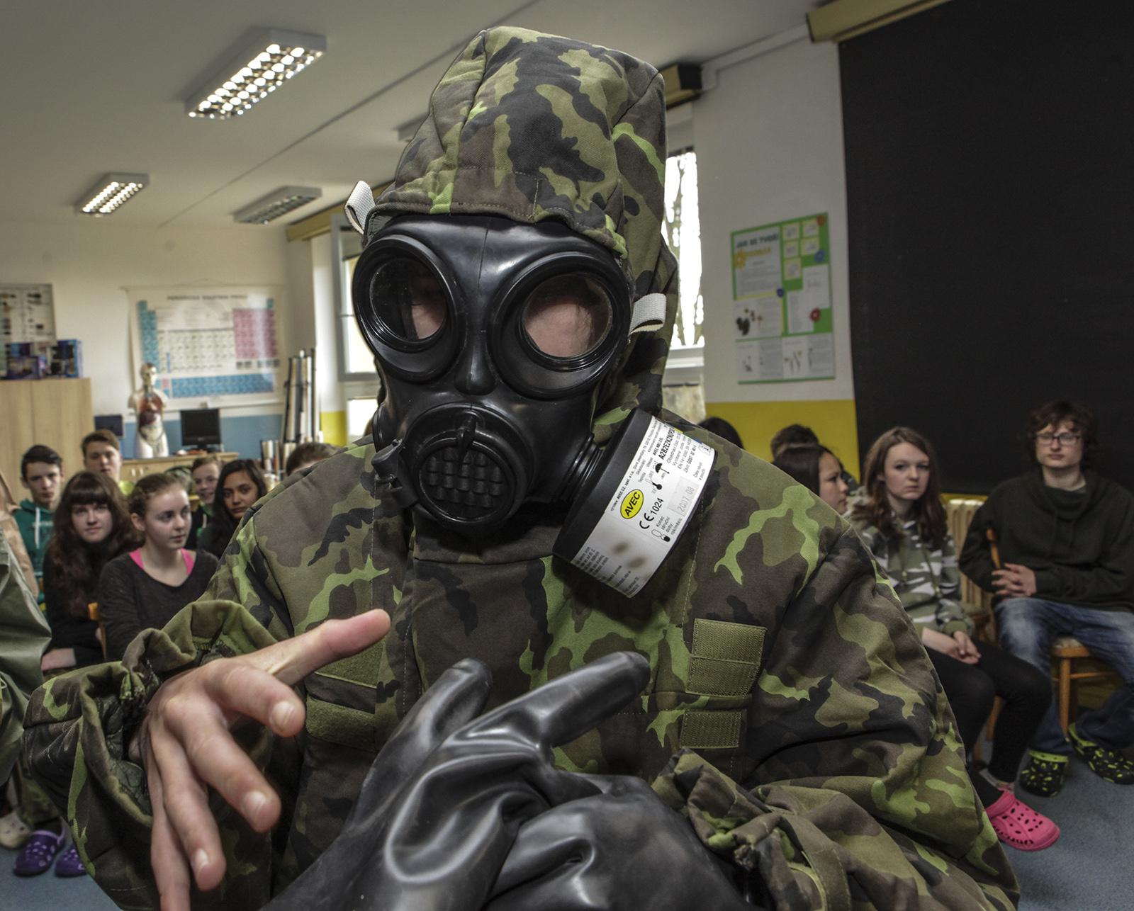 Příprava občanů k obraně státu na školách