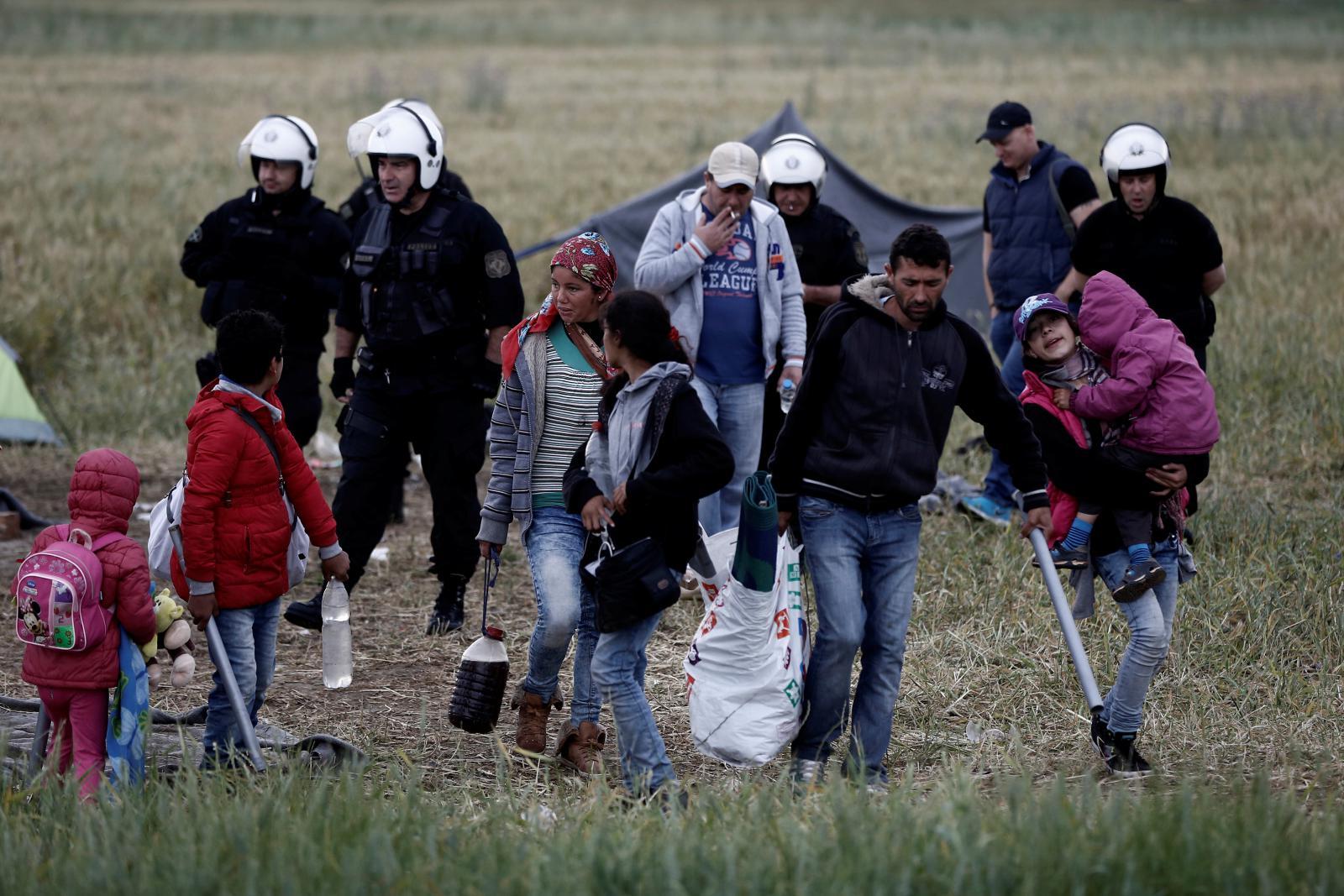 Evakuace uprchlického tábora u Idomeni