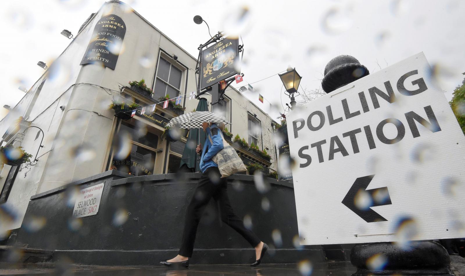 Deštivě počasí v Londýně v den referenda o setrvání Británie v EU