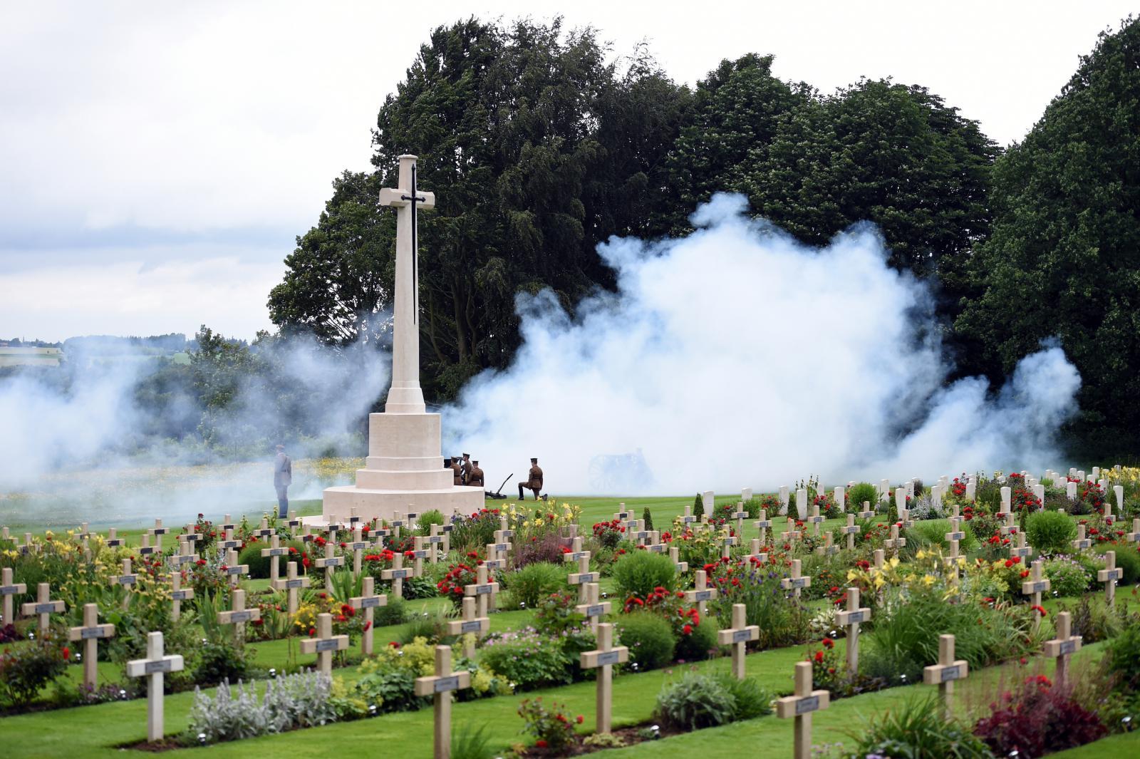 Ceremonie u památníku v Thiepvalu
