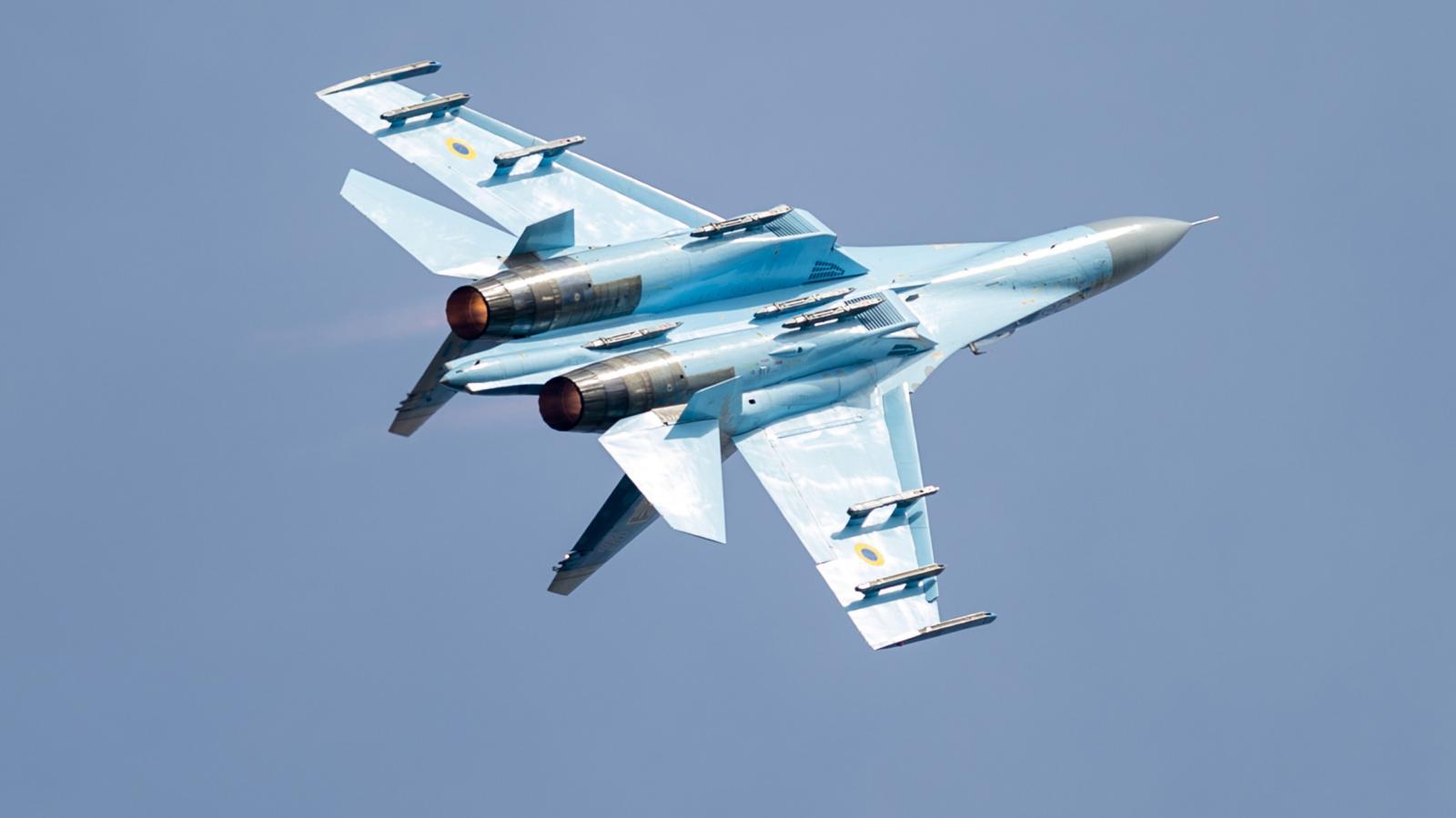 Stíhací letoun Su-27 z Ukrajiny na letecké přehlídce CIAF 2016
