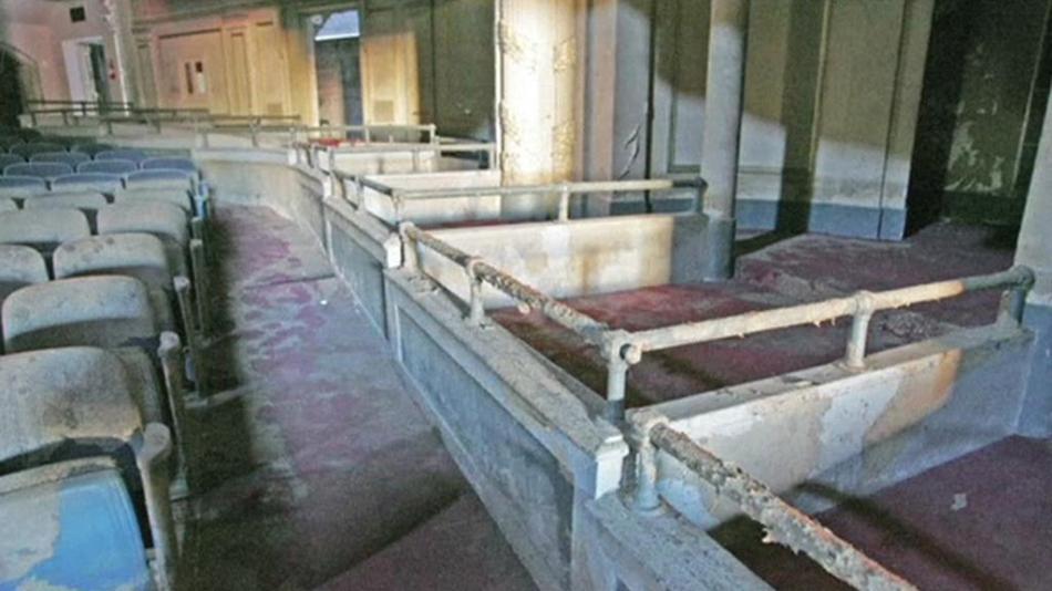 Orpheum Theater po řádění hurikánu Katrina