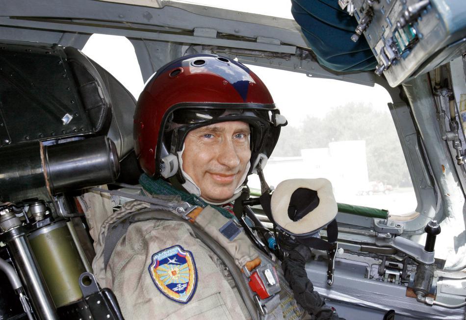 Vladimir Putin v letecké helmě