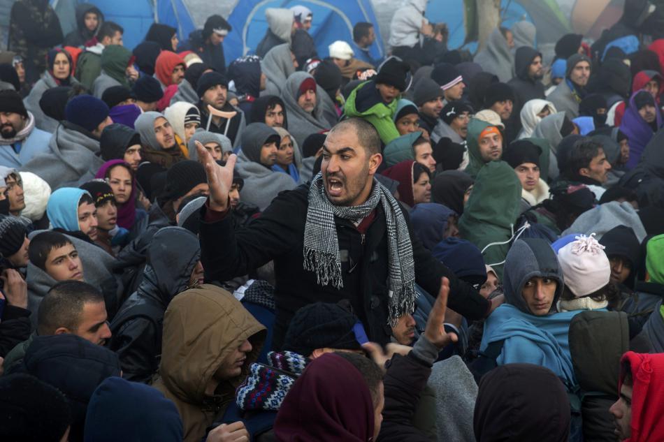 Uprchlíci u přechodu Berkasovo