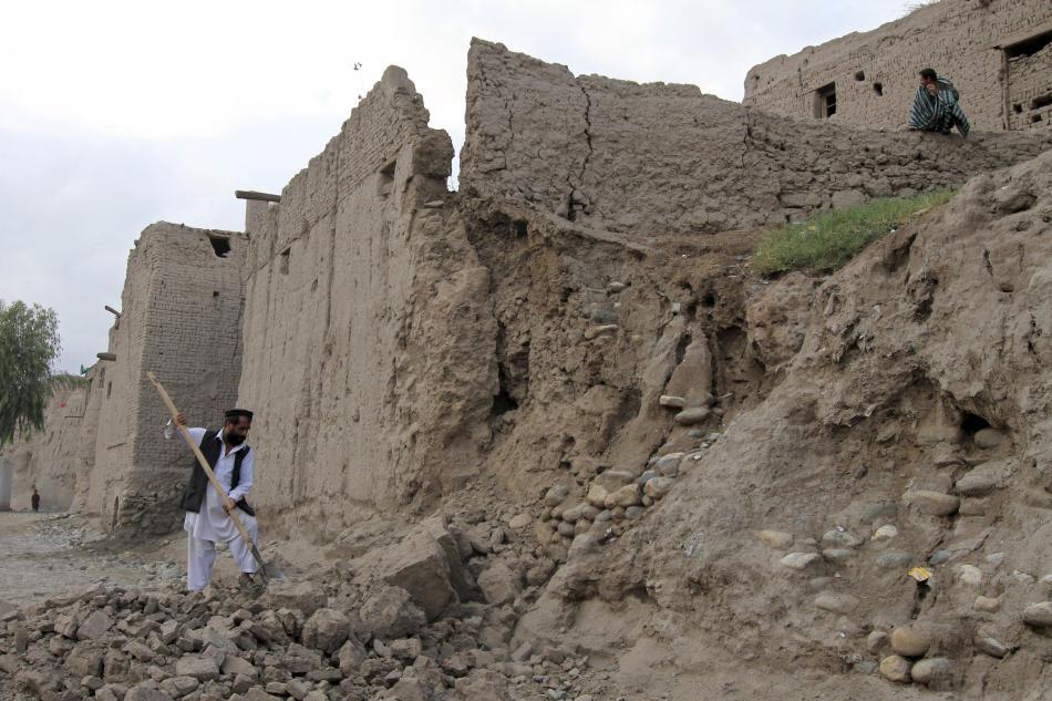 Následky zemětřesení v afghánském Dželálábádu