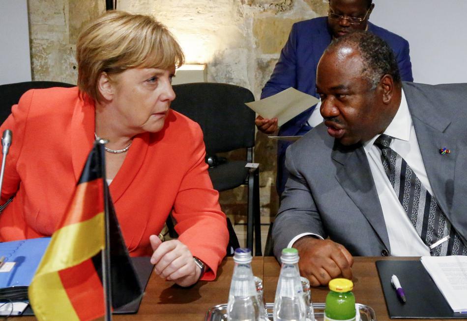 Angela Merkelová a gabonský prezident Ali Bongo Ondimba na maltské summitu
