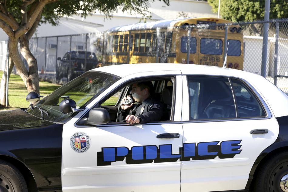 Policie uzavřela školy v Los Angeles