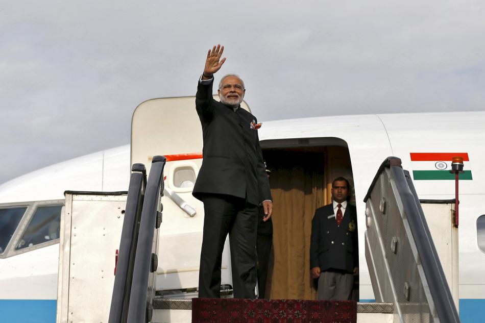 Indický premiér Naréndra Módí při odletu z Afghánistánu