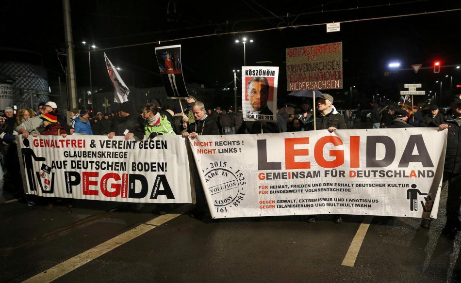 Přívrženci Legidy protestují proti přijímání uprchlíků