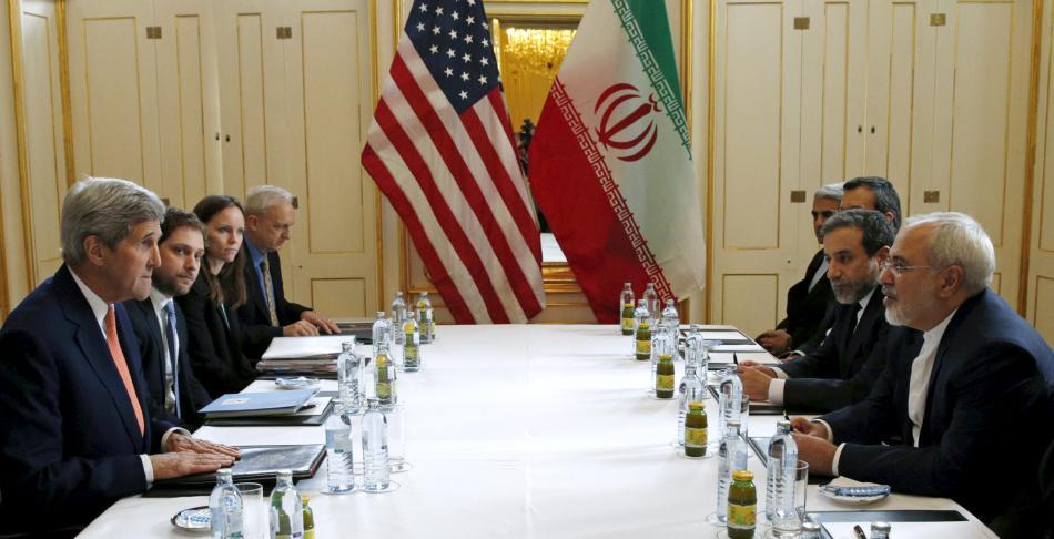 John Kerry a Mohammad Džavád Zaríf na vídeňských jednáních o íránském jaderném programu