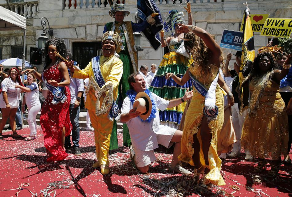 Rio de Janeiro symbolicky předalo klíč účastníkům karnevalu