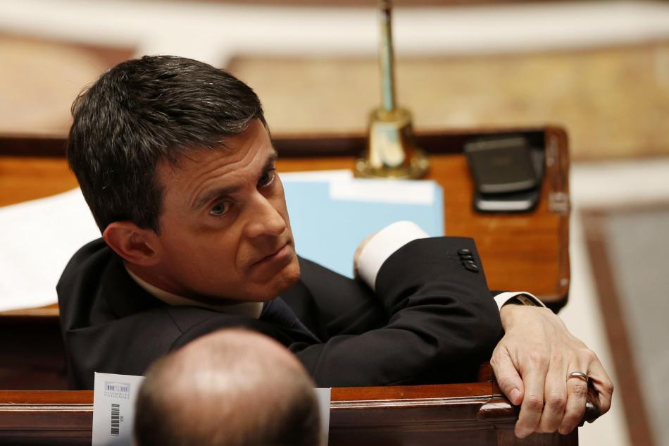 Premiér Manuel Valls během projednávání ústavní reformy
