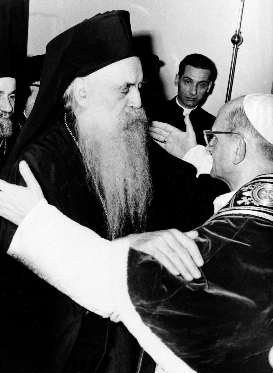 Athénagoras I. a Pavel VI. behem setkání v roce 1964