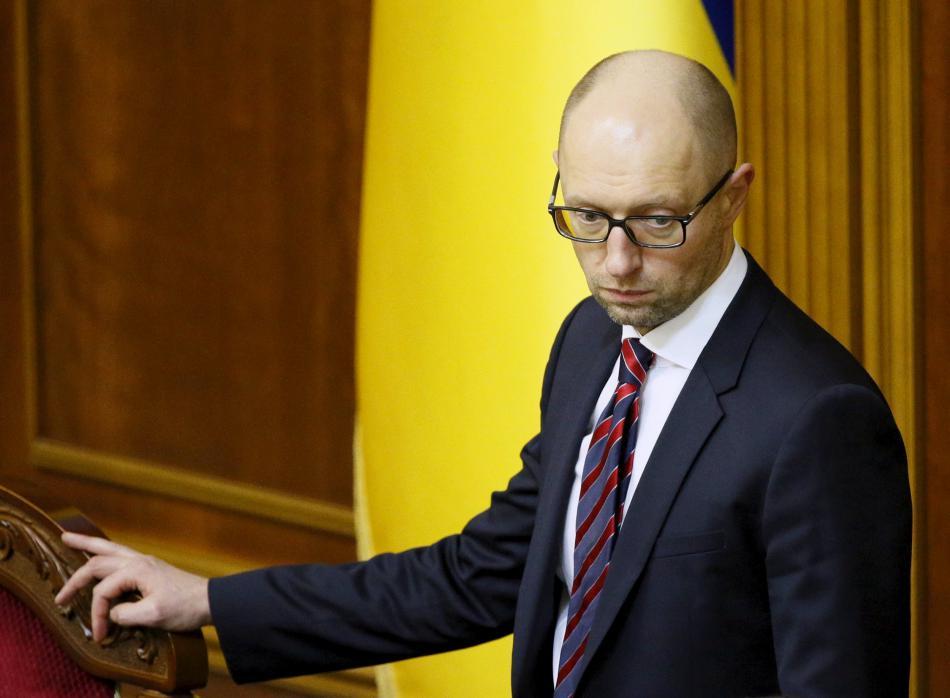 Arsenij Jaceňuk zůstává ukrajinským premiérem