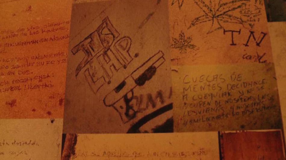 Graffiti na zdi panamských domů vyprávějí o minulosti