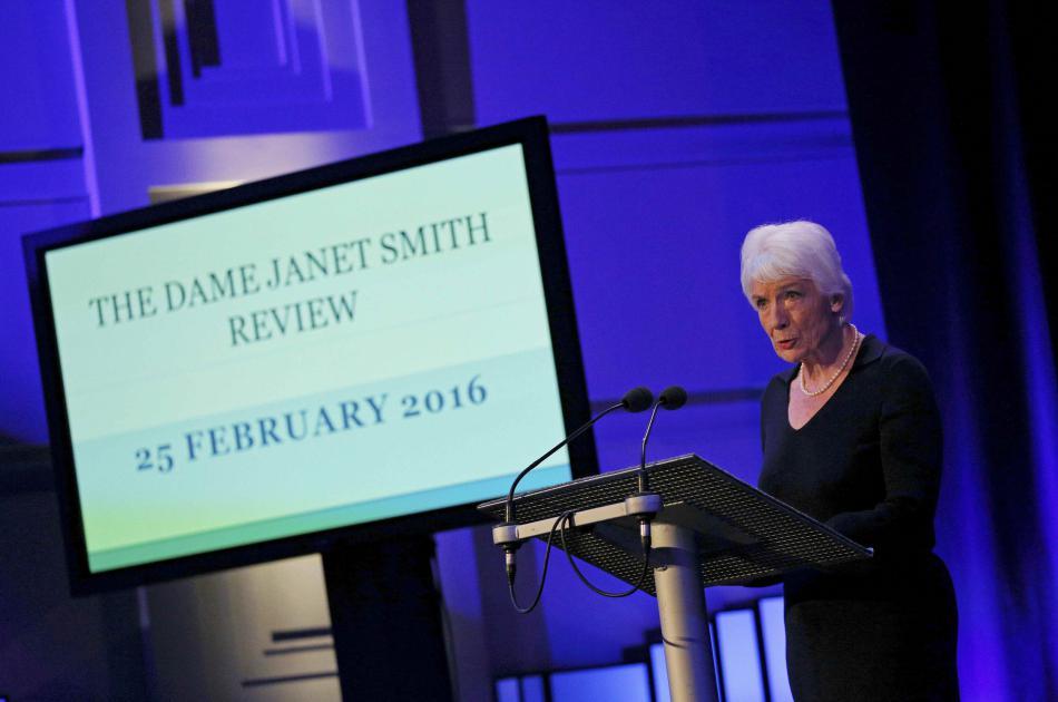 Soudkyně Smithová představila svou zprávu