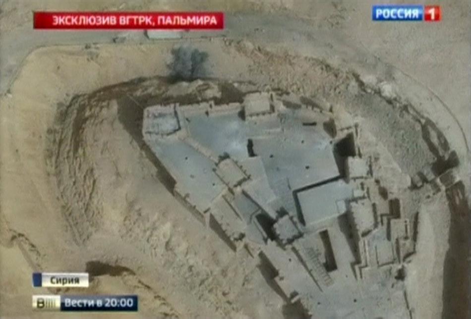 Ruské záběry bojů o pevnost v Palmýře