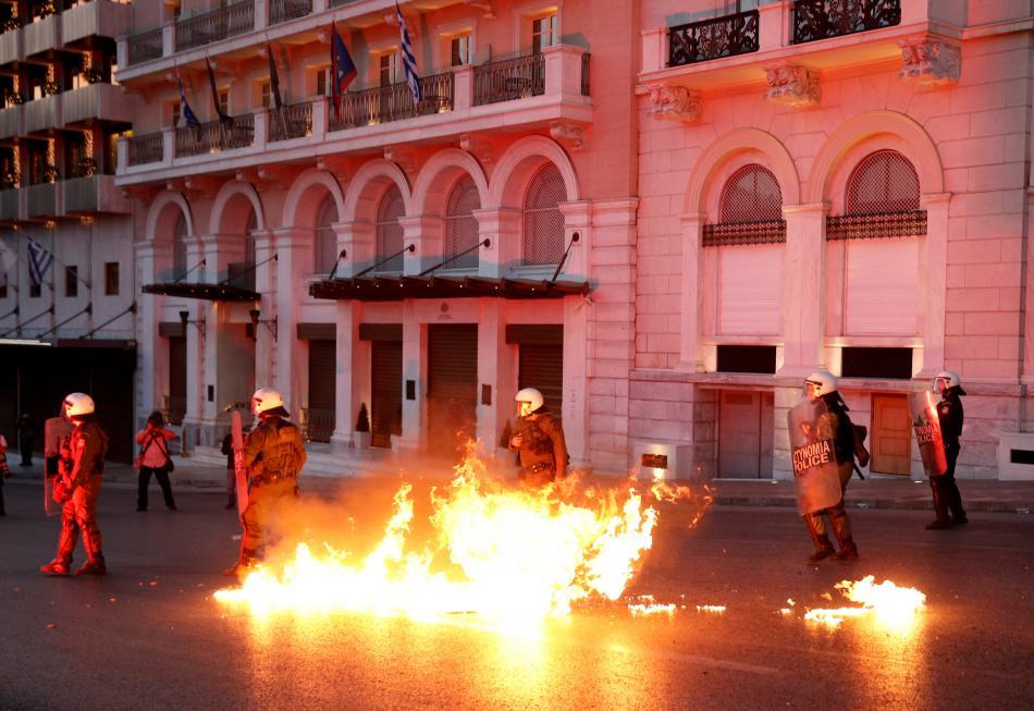 Nepokoje před řeckým parlamentem