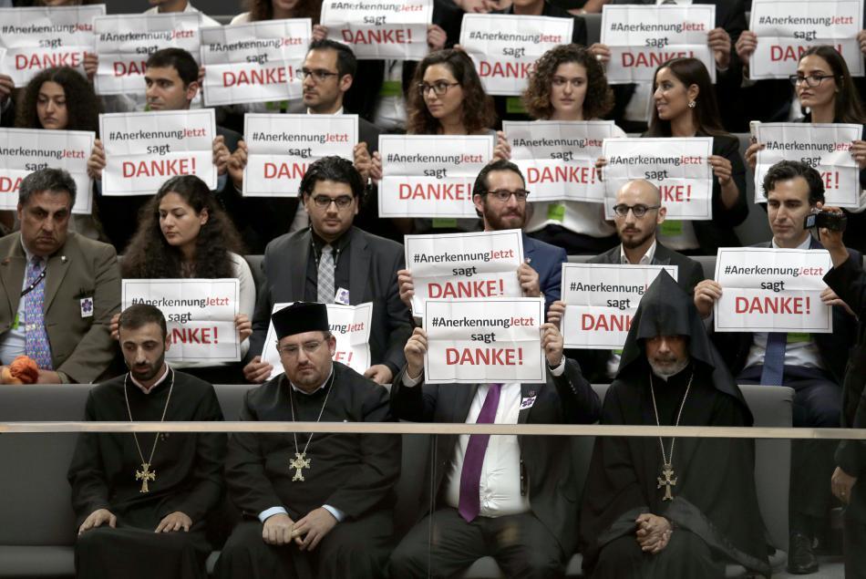 Reakce Arménu na schválené rezoluce Bundestagem