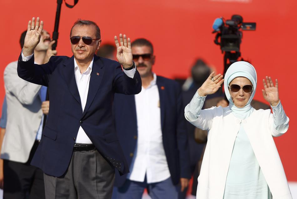 Erdogan zdraví své příznivce