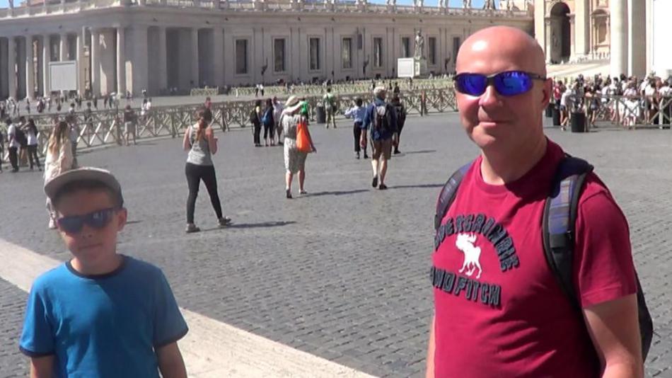 Cyklistický peloton ve Vatikánu
