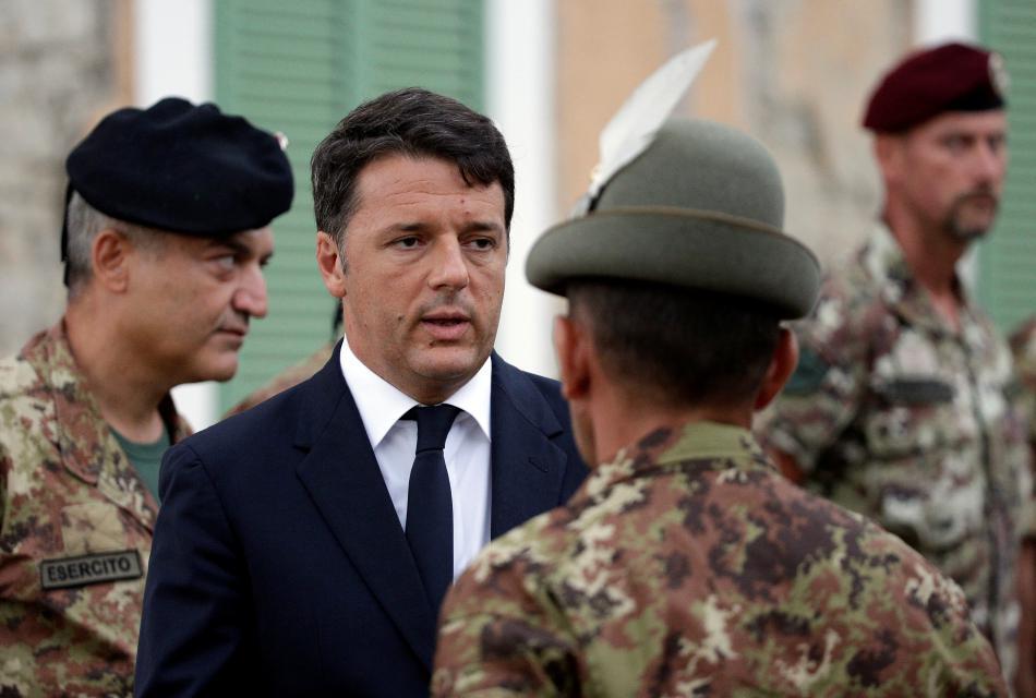 Premiér Renzi se setkal v Amatrice se záchranáři