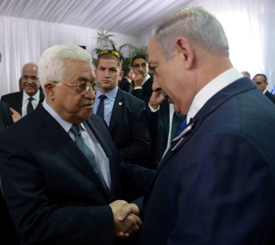Abbás a Netanjahu na Peresově pohřbu