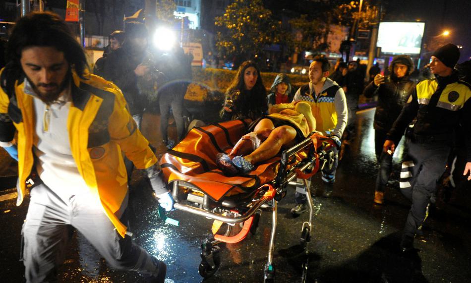 Sedm desítek lidí bylo při útoku zraněno