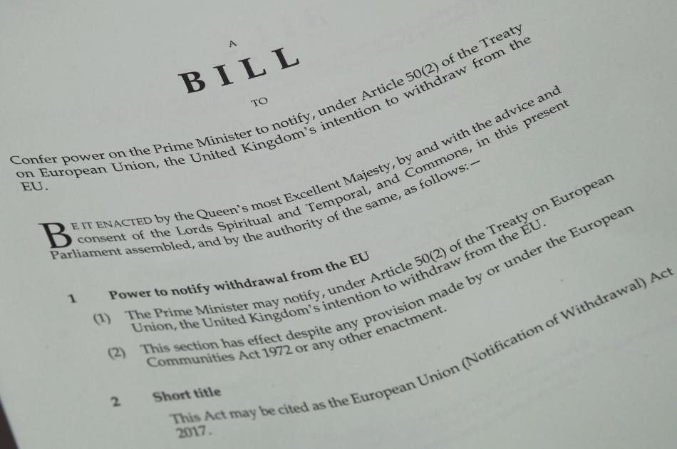 Návrh zákona umožňujícího spustit brexit