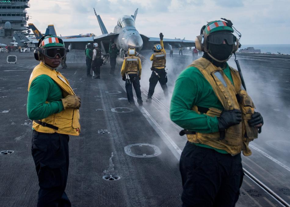Letadlová loď Carl Vinson pojme tisíce lidí