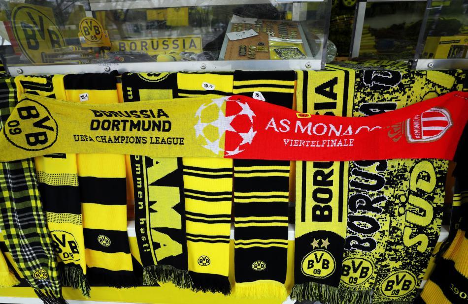 Fanouškovské šály Dortmundu a Monaka