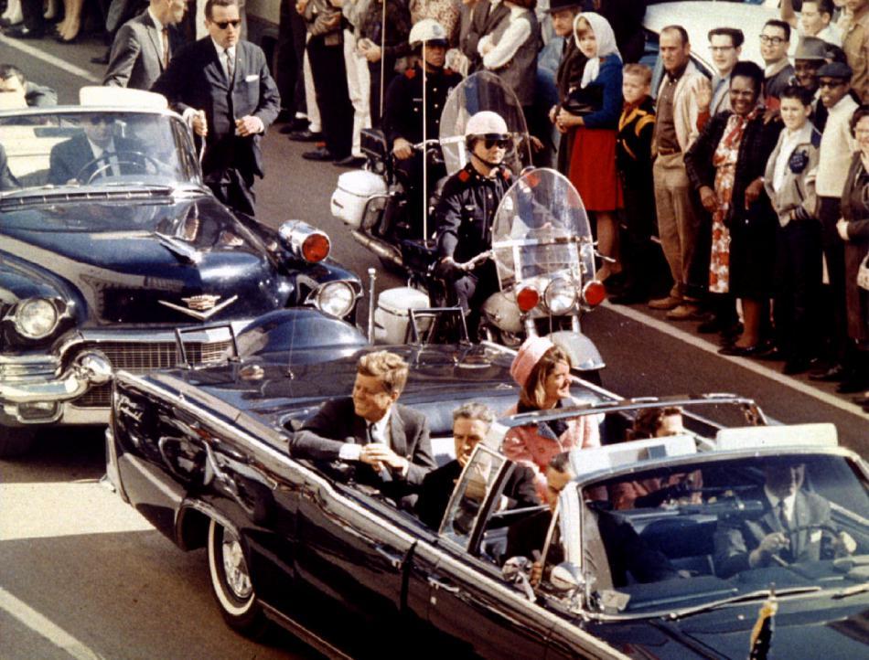Prezident Kennedy těsně před osudnými výstřely v Dallasu