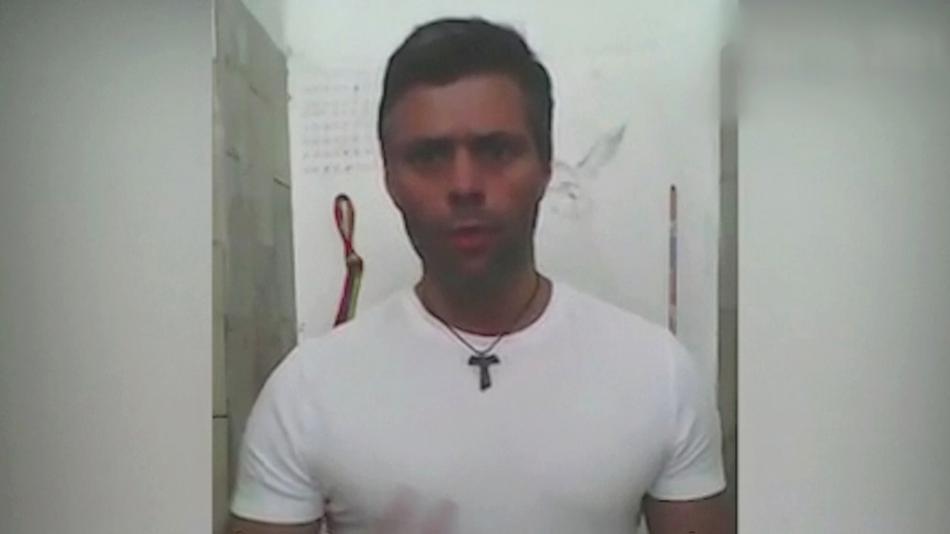 López promluvil ke svým příznivcům na videozáznamu