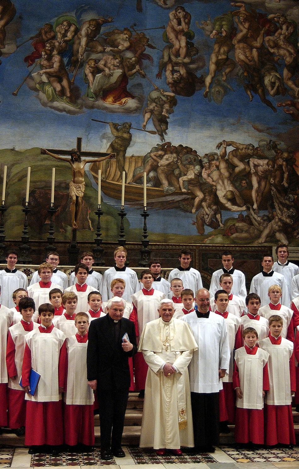 Chrámoví vrabci s Georgem Ratzingerem při návštěvě papeže Benedikta XVI.