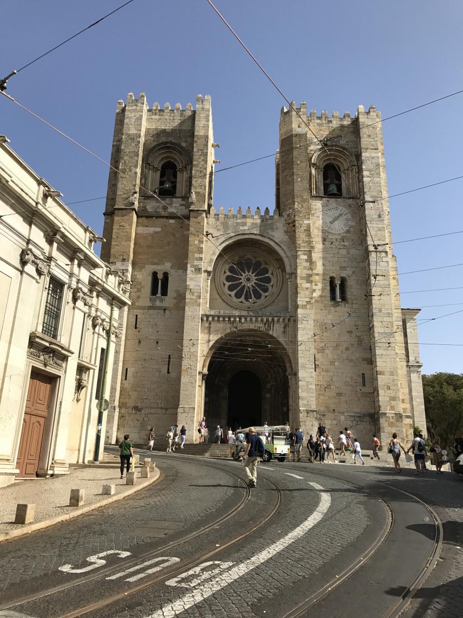 Katedrála v nejstarší lisabonské čtvrti Alfama