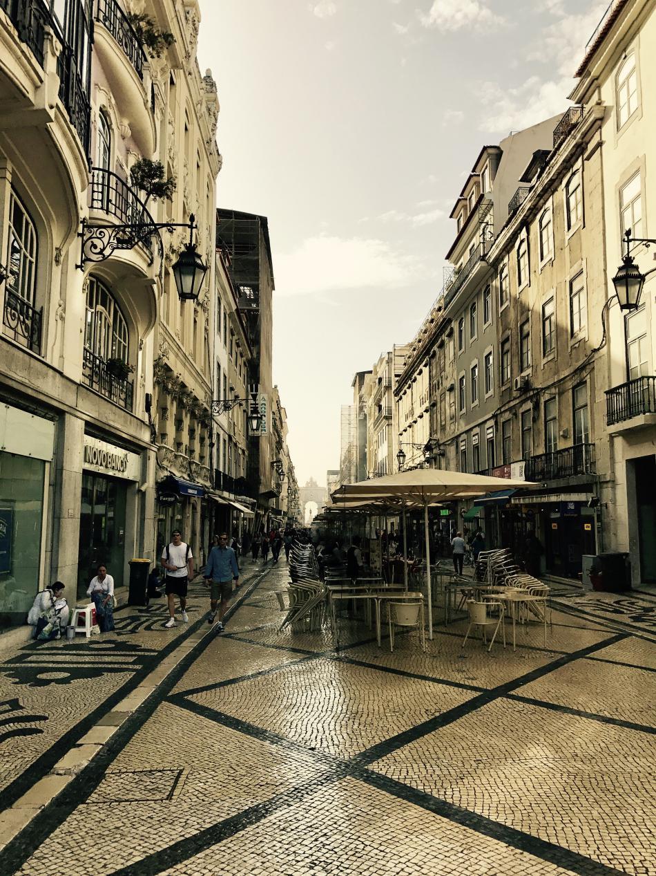 Rua Augusta v obnovené čtvrti Baixa