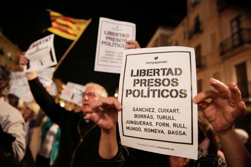 Katalánci žádají propuštění politických vězňů