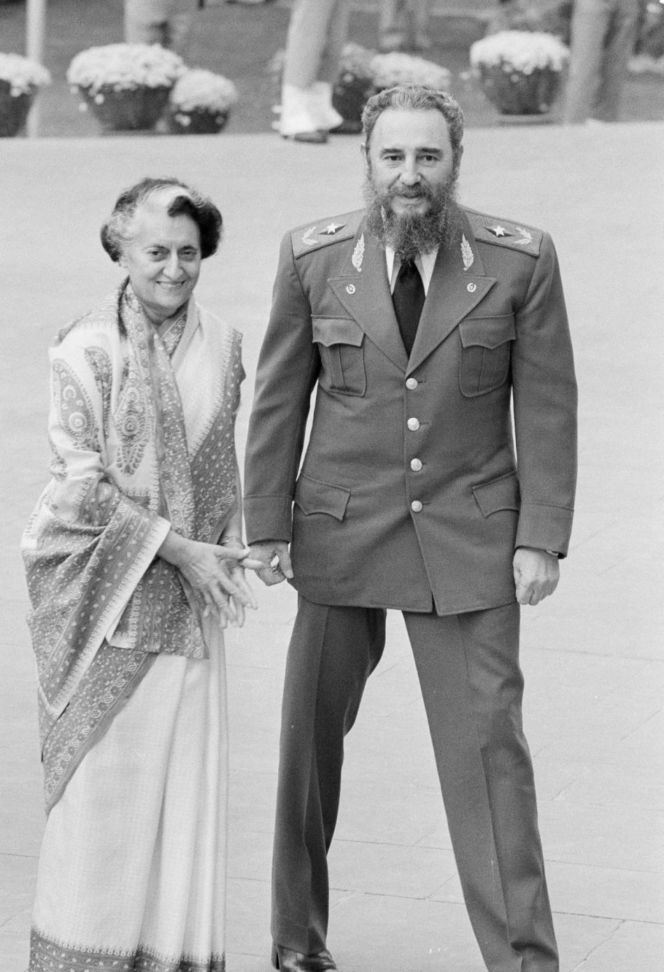 Indira Gándhíová po boku Fidela Castra na snímku z roku 1983