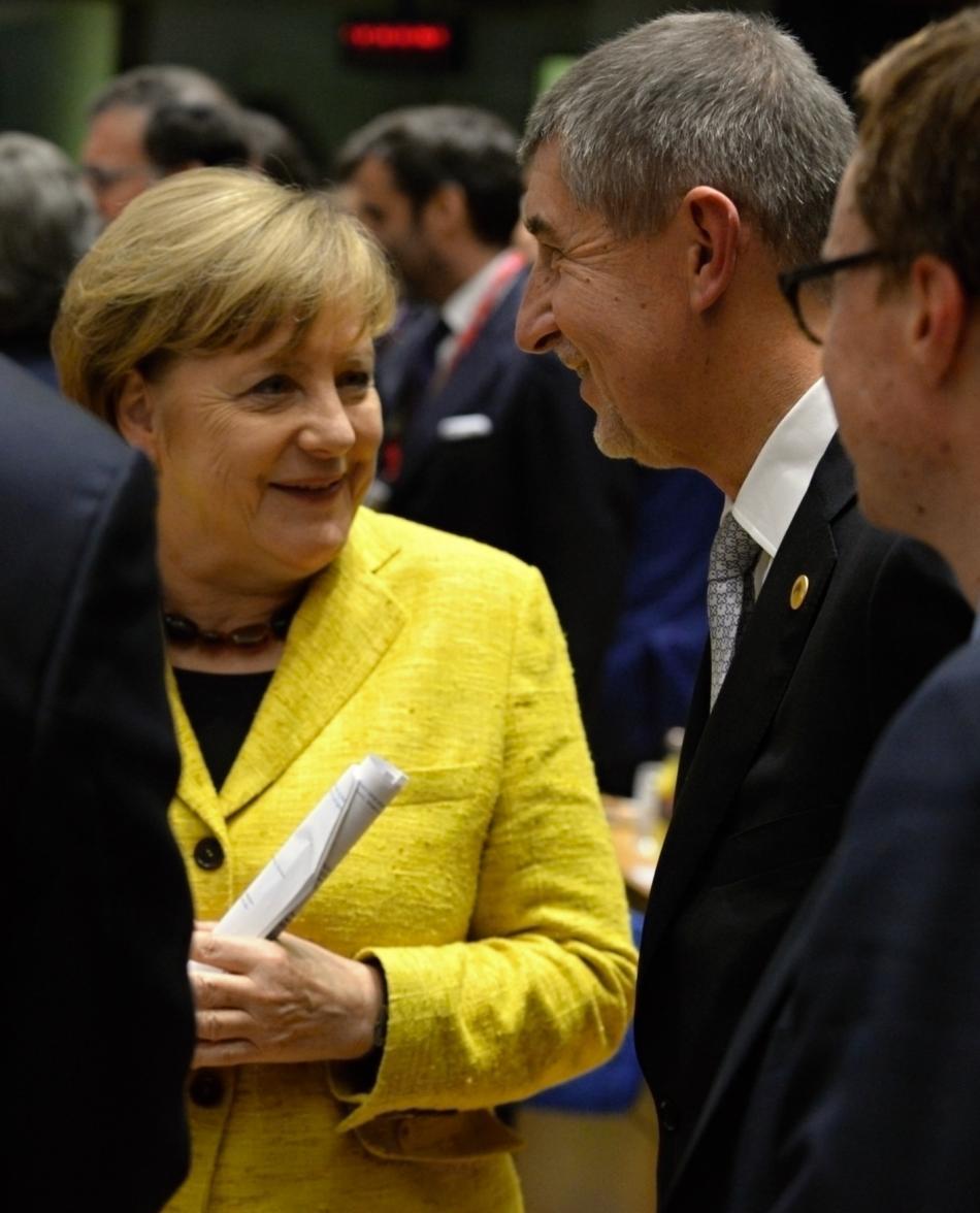 Merkelové Babišovi připomněla, že stále umí trochu česky