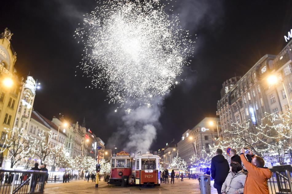 Ohňostroj nad Václavským náměstím