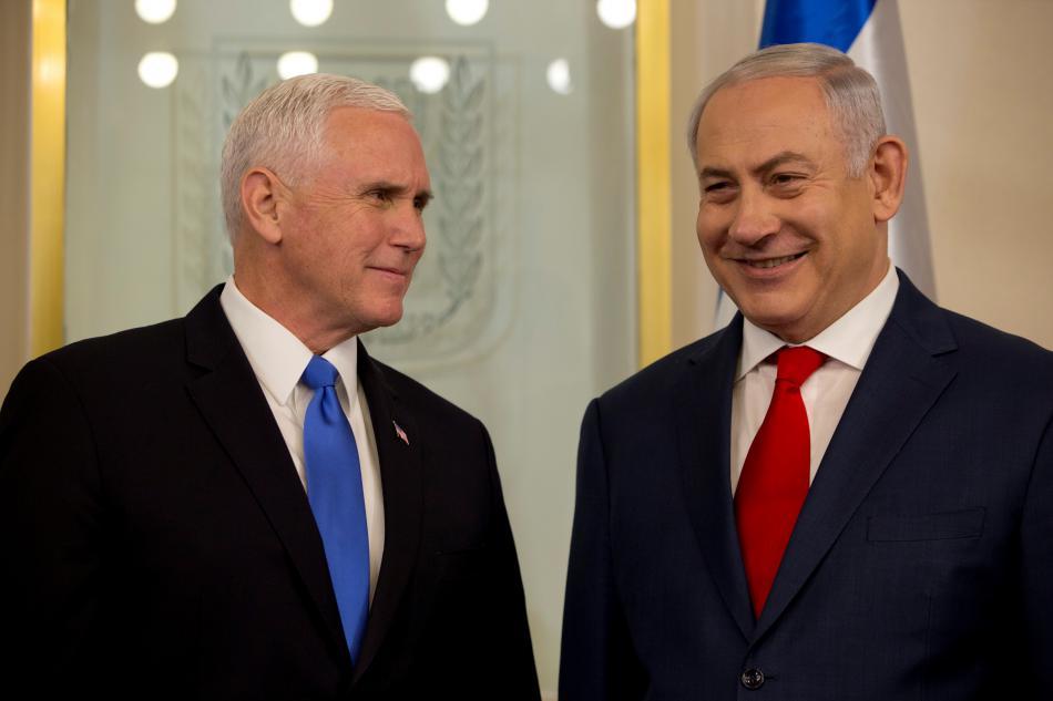 Pence a Netanjahu při setkání v úřadu izraelského premiéra v Jeruzalémě