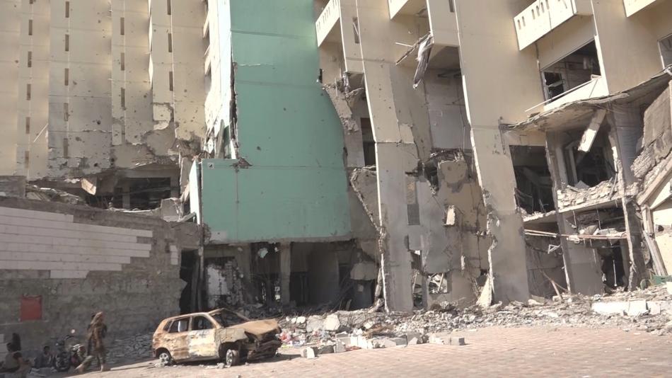 Zdevastovaný Aden stále čeká na obnovu