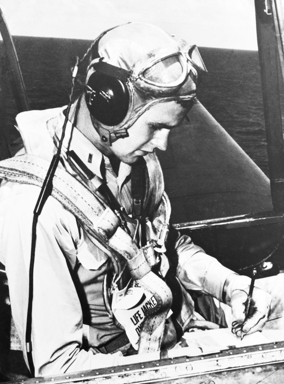 George Bush během služby u amerického námořnictva