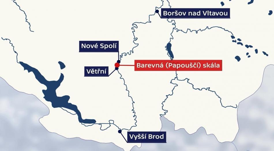 Barevná skála na Vltavě