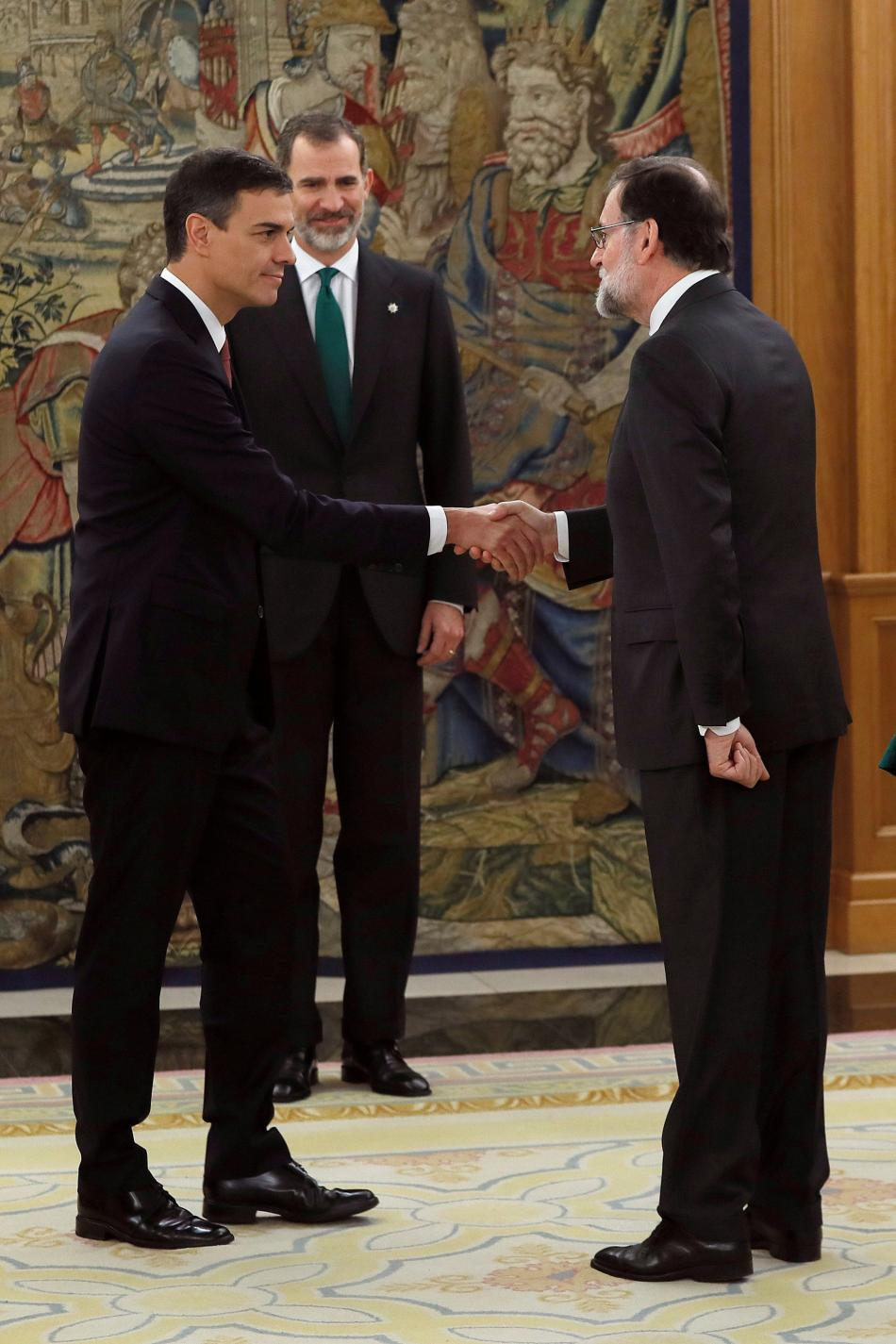 Mariano Rajoy gratuluje svému nástupci