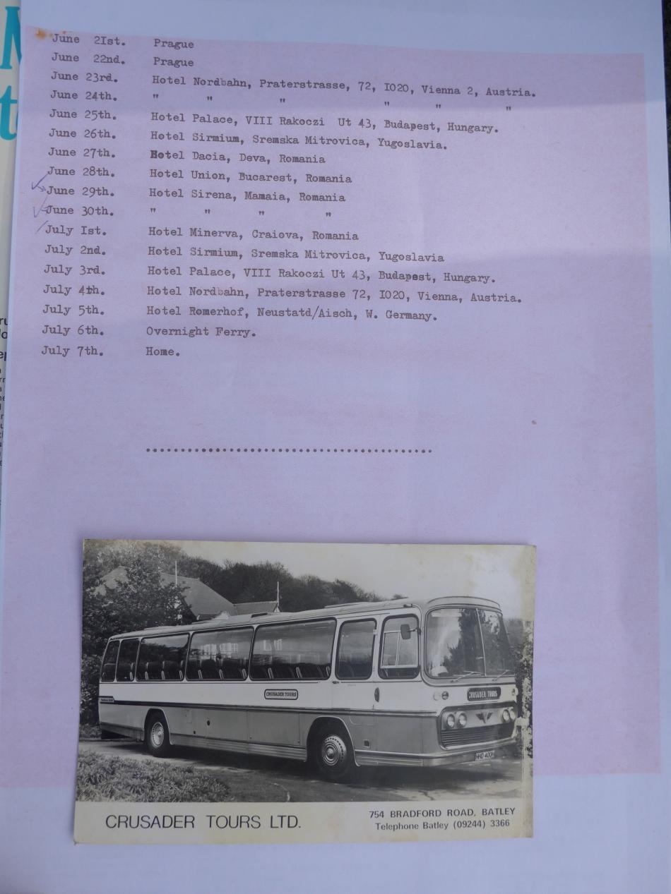 Hathawayův autobus a plán cesty