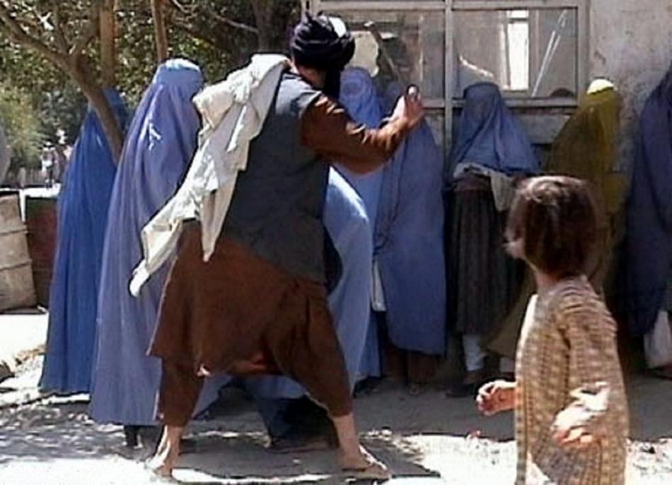 Člen Talibanu patřící k morální policii