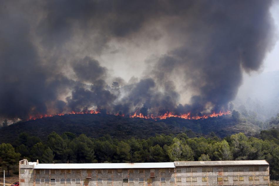 Požár ve vesnici Pinet blízko Valencie