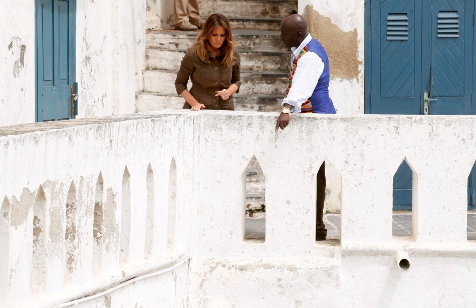 Melania Trumpová během prohlídky pevnosti Cape Coast